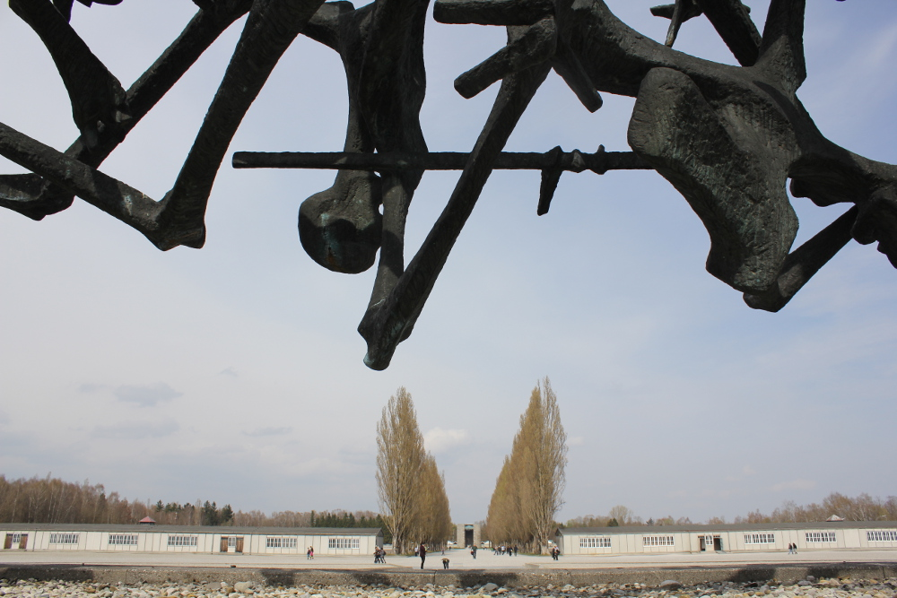 monument nandor detail